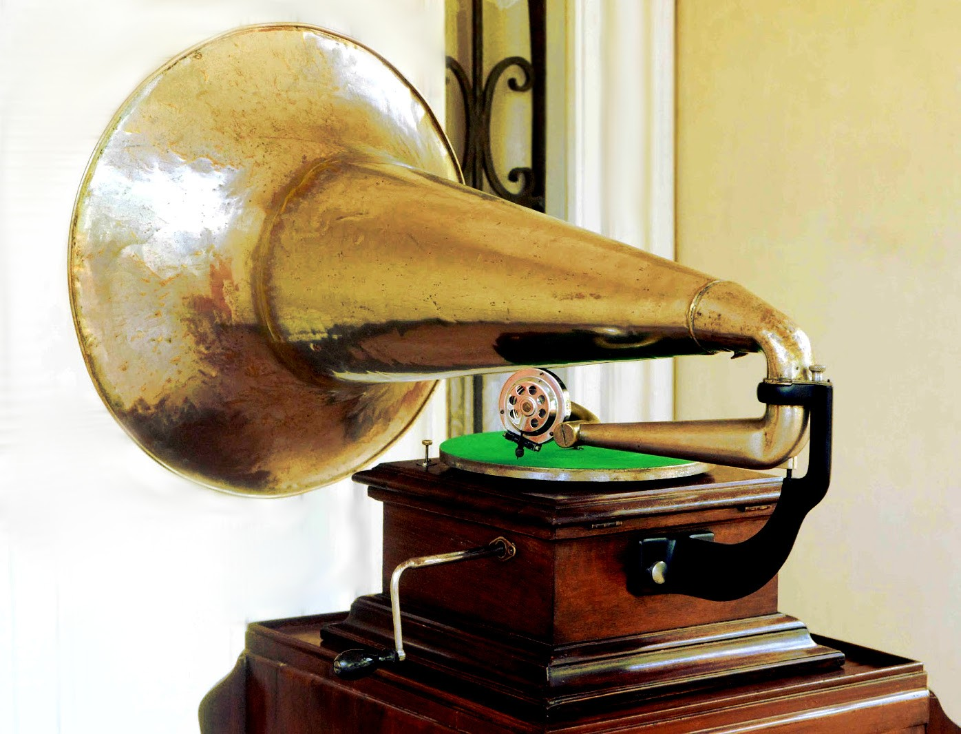"Monarch Gramophone ""victor"" Type Ii"